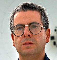 Le Ministere de la défense britanique a enqueté sur 9 observation d'ovnis en 2009 Nick_Pope5