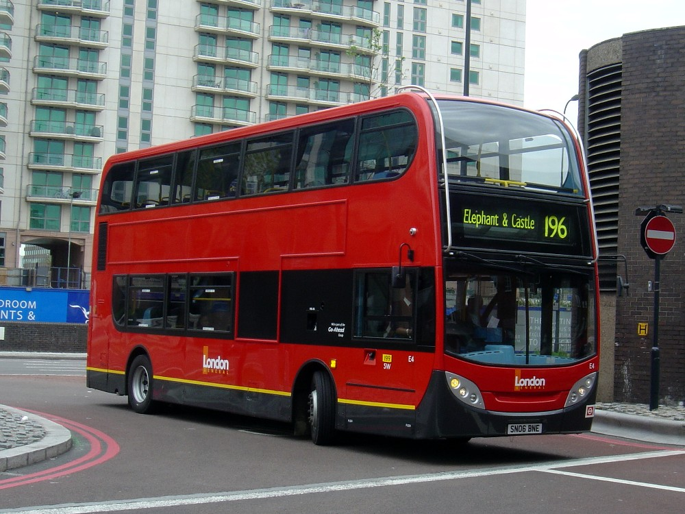 Buses in your hometown - Seite 2 London%20General%20Trident%20-%20Enviro%20E4%20osf%20Peter%20Edgar