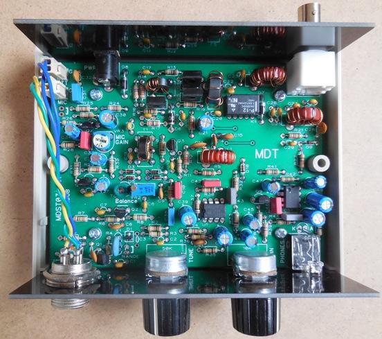 KIT émetteur récepteur QRP phonie 40m ( ozQRP ) Mdt_case_open