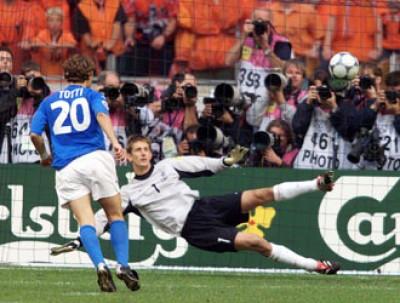 AS Roma 2-0 Fiorentina ( 1ère journée) Totti-cucchiaio-Italia