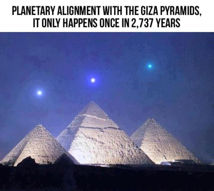 bombe a 1000 messages - Page 38 December-3rd-2012-%E2%80%93-Planets-Align-With-Giza-Pyramids-For-The-1st-Time-in-2737-Years1