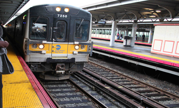 Another NY Financial Trader Jumps—in Front of a Commuter Train  Another-NY-Financial-Worker-Commits-Suicide