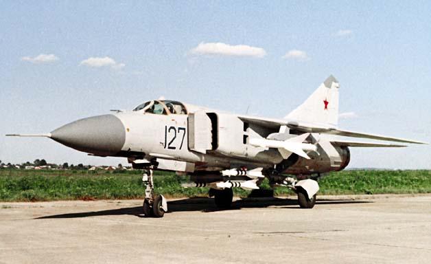 مقارنة بين القوات العربية والاسرائيلية من حيث النوع والعدد Mig23ml-2