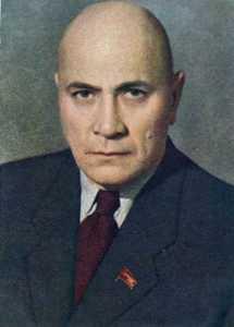 """Enver Hoxha, lutje sovjetikëve për të bërë filmin """"Skënderbeu"""". Akakij_Horava-215x300"""
