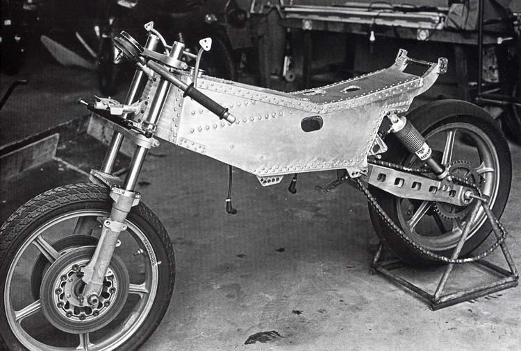 Réplica Ducati 50 de circuito - Página 2 Pantah_div_095