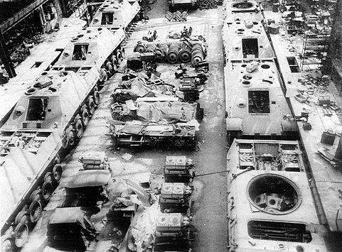recherche de documentation sur les unités de jagdpanther - Page 2 Jagdp_005