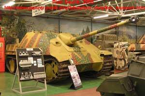 recherche de documentation sur les unités de jagdpanther - Page 2 JP_Bovington