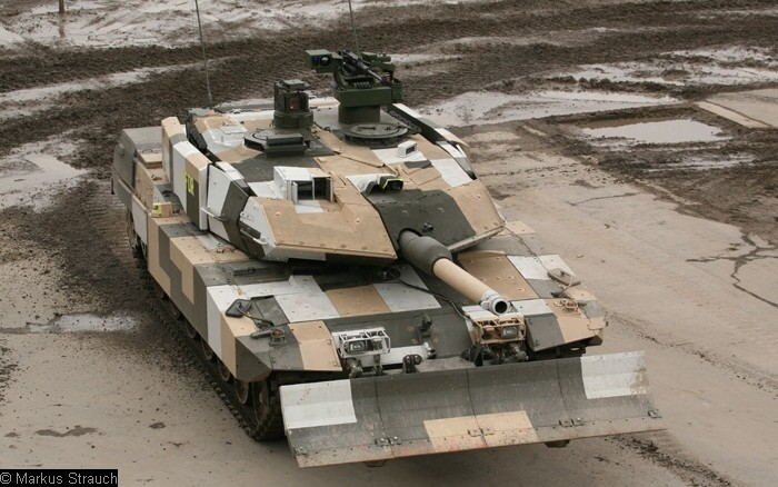 [نقاش] ما هو السلاح الذي تتمنى ان تراه لدى جيش بلدك Bw_kpz_leopard_2a5_pso-IMG_5795i