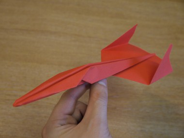 Voidraven and Razorwing, why do people love them? - Page 2 Paper_aeroplanes_the_piranha_complete