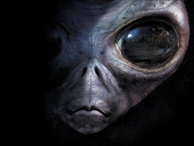 [Jeu] Association d'images - Page 19 Visage-extraterrestre-937