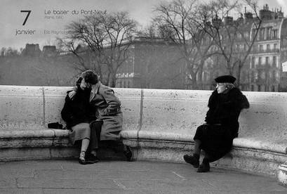 [Jeu] Association d'images - Page 5 DOISNEAU-2283-Le-baiser-du-Pont-Neuf-PARIS-19501