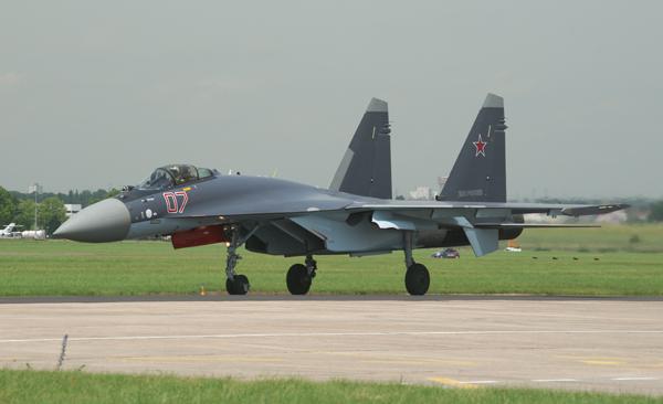 تغطية معرض باريس للطيران 2013 - صفحة 2 Su-35-07-2