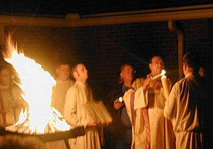 TEJ YAM TSEEM CEEB NYOB HAUV TSEV TEEV NTUJ ROMAN CATHOLIC  Easter-fire