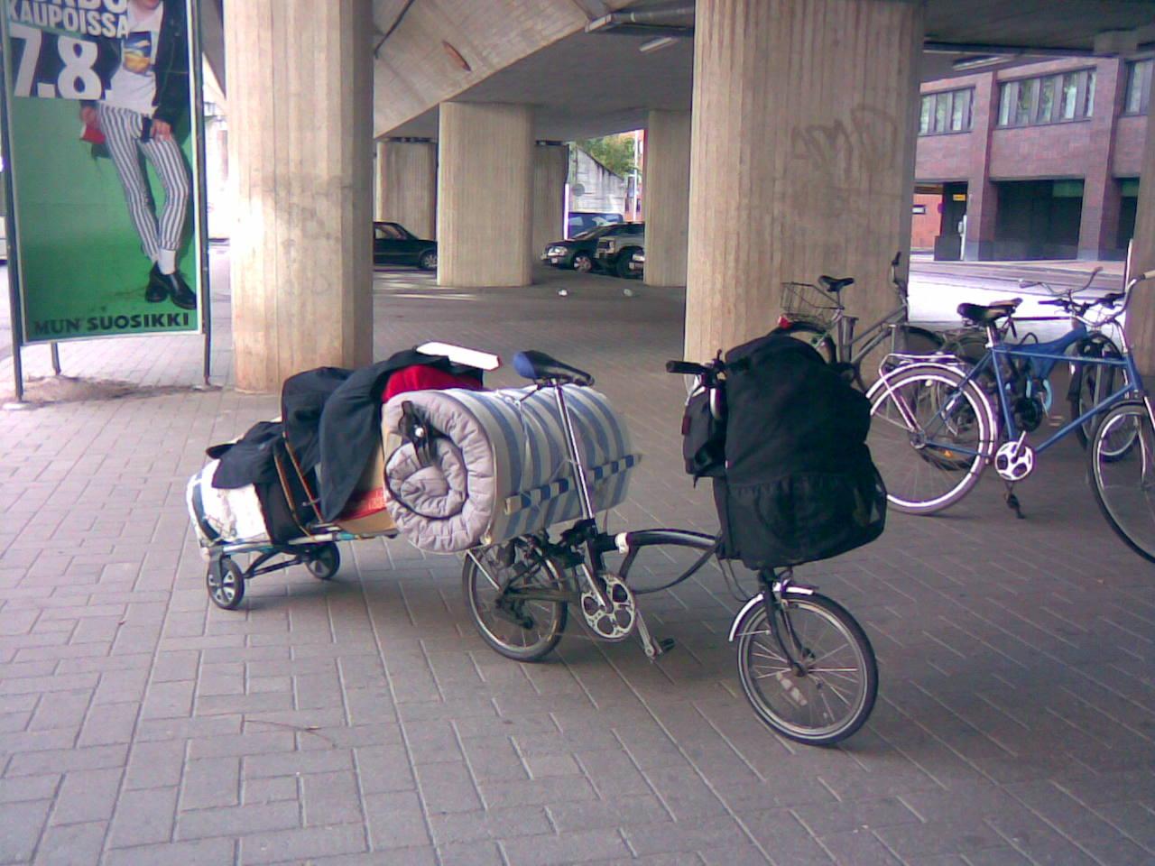 Enlève ton vélo de la table! Lots-on-a-brompton