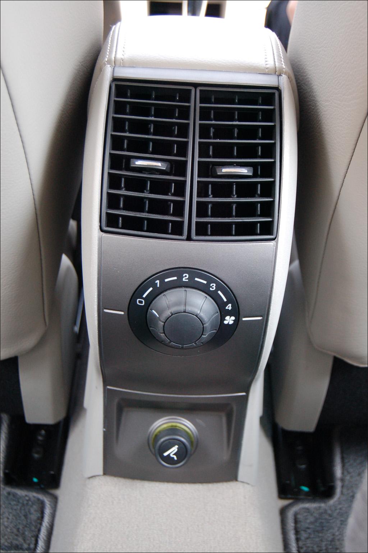 [Citroën] C4 Sedan 060510kx11