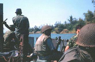 Patrol Air Cushion Vehicle (PACV) et Patrol Boat River (PBR) Cuadai_patrol
