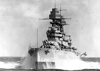 montage du USS ARIZONA AU 1/200 par Raphael - Page 3 Arizona_at_sea