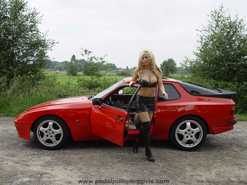 La porsche 944 Porsche_944_girl_cranking_over_knee_boots_009