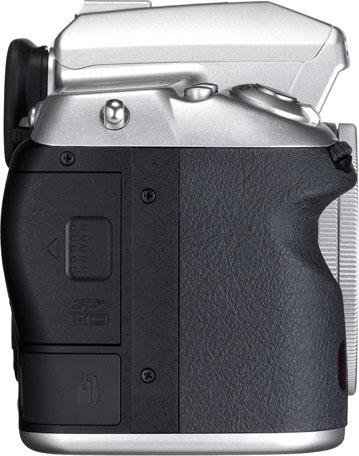 PENTAX K-5 Silver Edition Limitée + DA 40mm f/2.8 XS Silver K-5_Silver_DA40mmXS-R_press_xh456