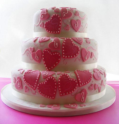 ajde da se pozdravime - Page 12 Heart-shaped-wedding-cakes-11