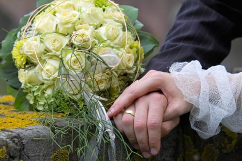 ألف مبروك يا ....... وعقبال الفرح Green-bridal-bouquet-pictures-10
