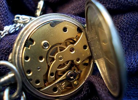 La quête du Graal... Le-coultre-montre-ancienne-perles-du-temps-logo2