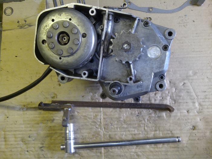 TUTO : comment remonter son bas moteur Minarelli P6 M_440900733_0