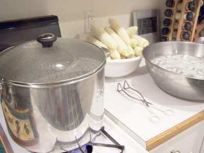 حفظ الخضروات و الفاكهة Corn%20pots%20ready
