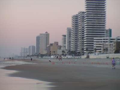 مدينة Ormond beach في ولاية فلــــــوريدا الامريكية Ormond-beach-skyline-dawn