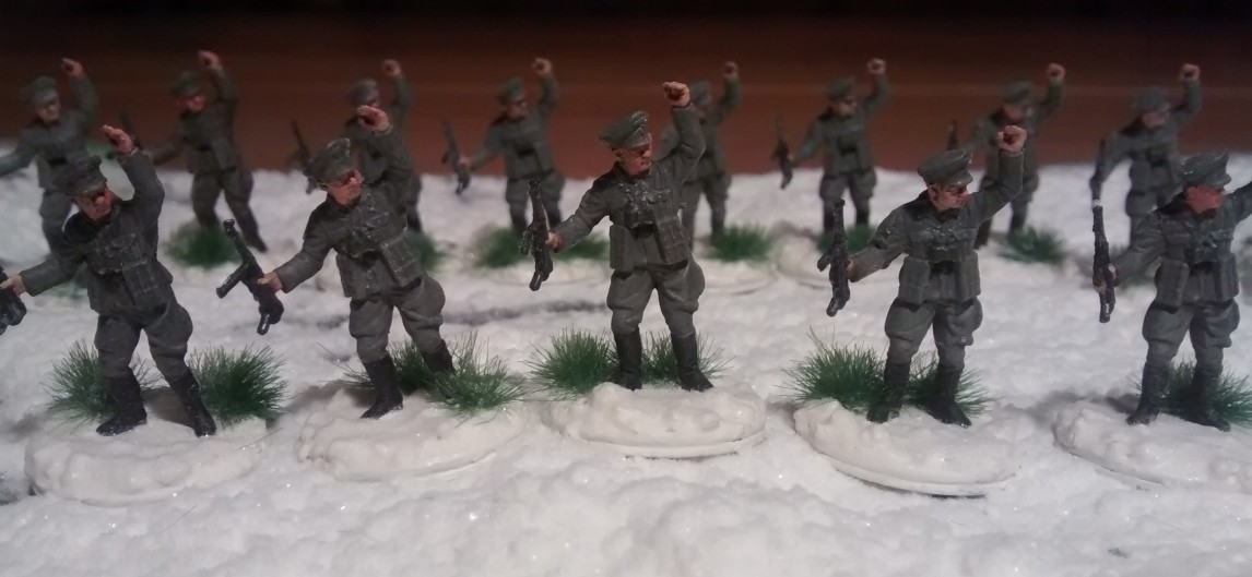 Sturmtigers Mannen - Seite 12 Schnee-Bases-03-Offiziere-Zoom