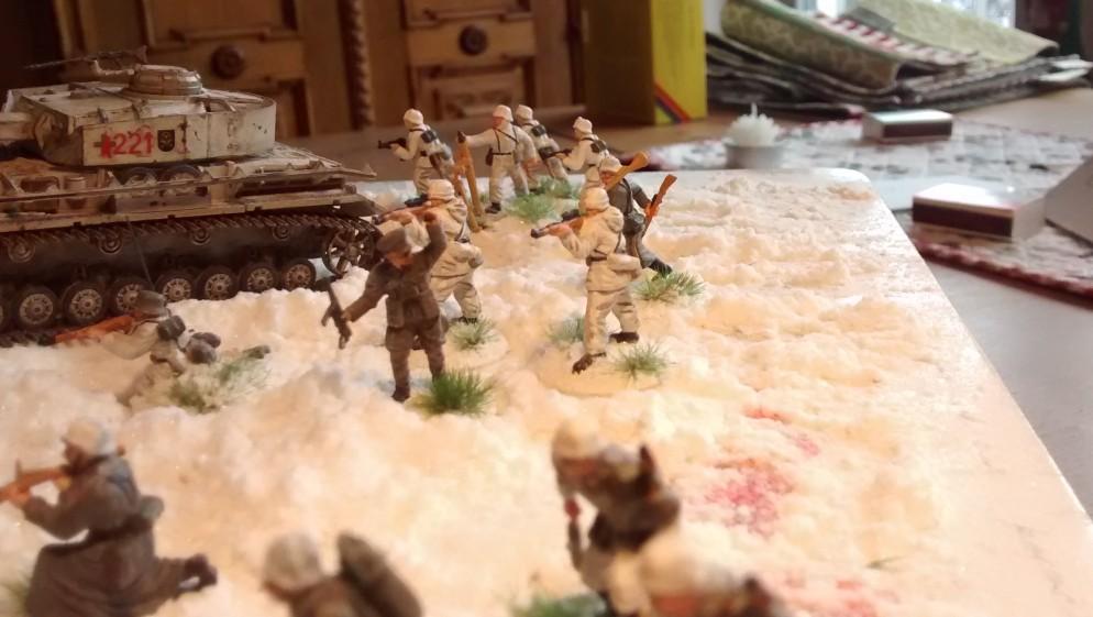 Sturmtigers Mannen - Seite 13 Panzer-grenadier-regiment-103-bemalung-33