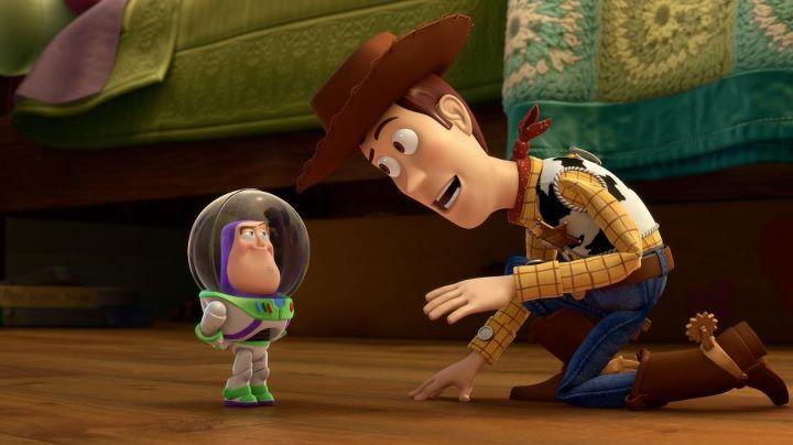 [Cartoon Pixar] Mini Buzz (2011) Small01