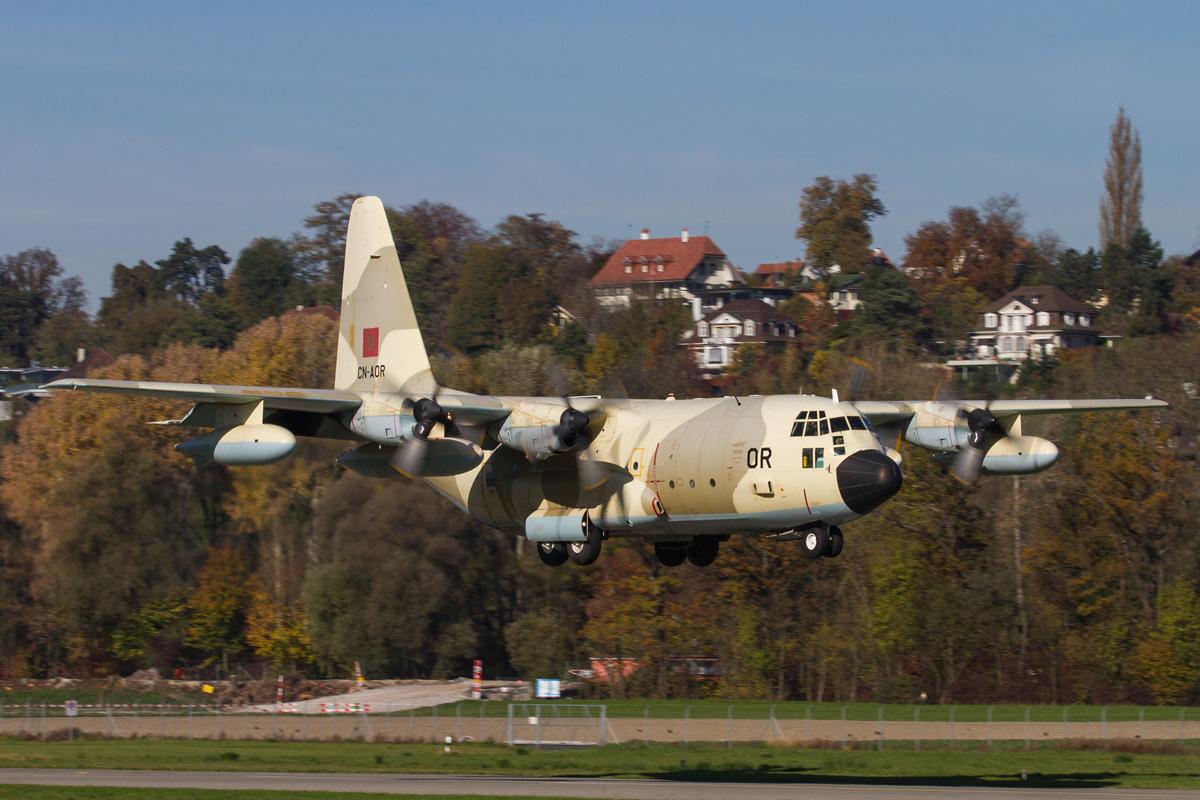 FRA: Photos d'avions de transport - Page 20 22