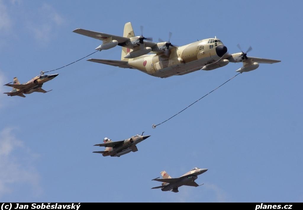 المغرب ممكن يتعاقد على 3 طائرات تانكر Kc130h-cna-or-moroccan-air-force-marrakech-rak-gmmx