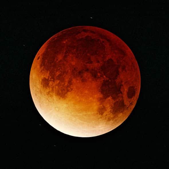 Eclipse de Lune le 15 juin 2011 Lunar-eclipse-09-11-2003