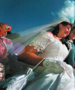 NARODNI OBICAJI I VEROVANJA Svadba1