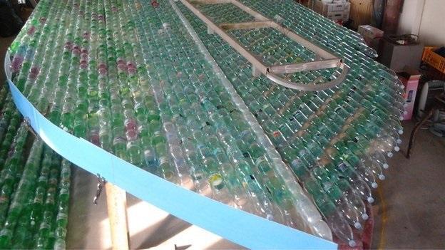 Construyendo un barco de botellas de plástico Source-8Z6Fq1Awdz
