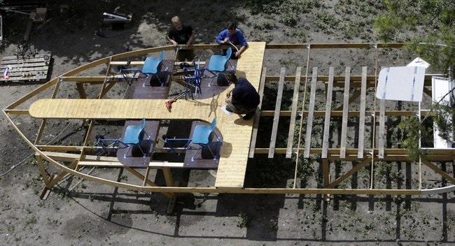 Construyendo un barco de botellas de plástico Source-wSE0UhOgwi