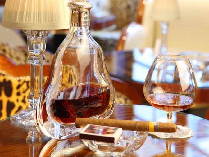 JUEVES 25 DE AGOSTO DE 2011 POR FAVOR DEJEN SUS MJES. DIARIOS AQUÍ. GRACIAS!! 673x6731259697487_cigarros