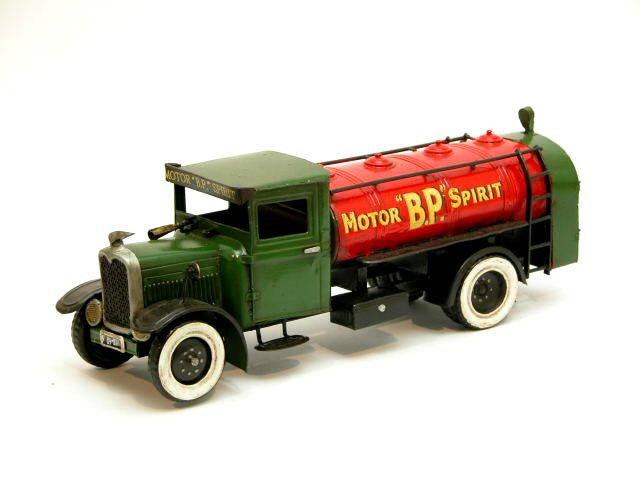 Interwar European cars and trucks in 1:24-5? Renaultbp
