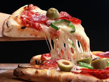 عکس پیتزای آماده Pizza-wallpaper-wallpaper-food-pizza_large
