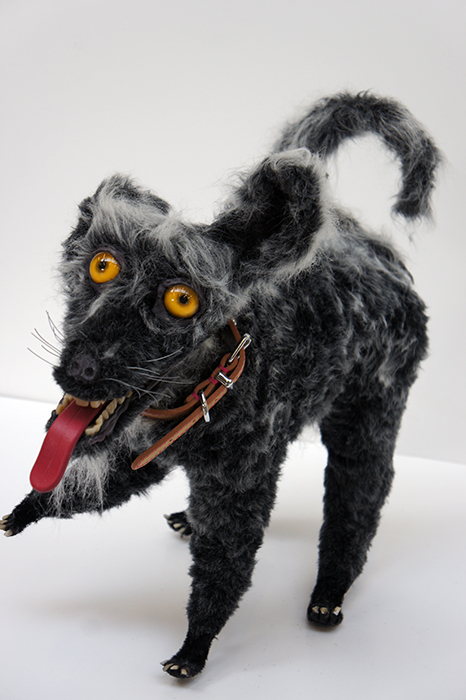 Mátame, camión! (El Tópic de la Taxidermia Chunga) - Página 6 Taxidermy-dog-model