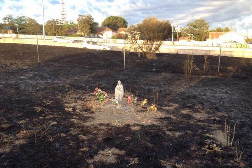 Espagne : Une statue de la Vierge miraculeusement intacte après un incendie Topic