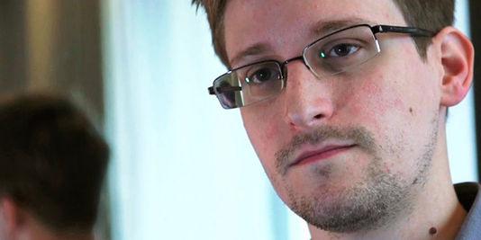 Affaire Snowden [topic Unique] - Page 6 3440194_3_9e32_edward-snowden-etait-bloque-depuis-un-mois-a_4ada8ebdf544dcf8fd0d0c76e10378a5