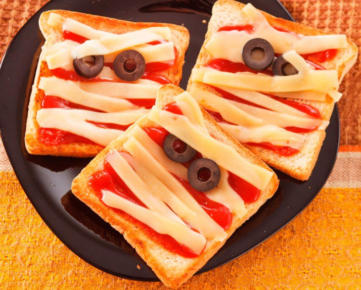 Halloween. Sandwich-En-Forma-De-Momias