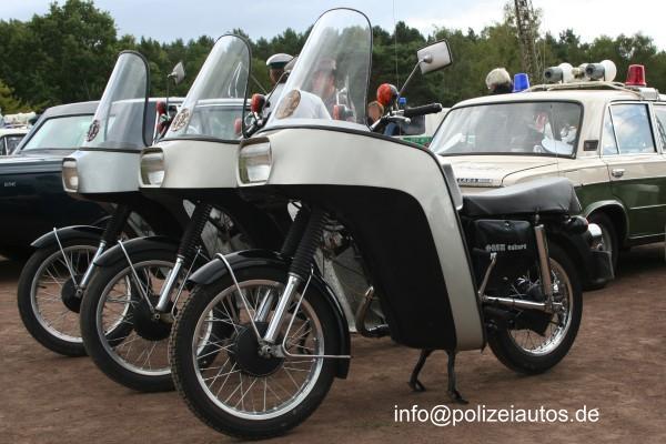MZ Volkspolizei (VP) IFAMZ250EskortVoPo01