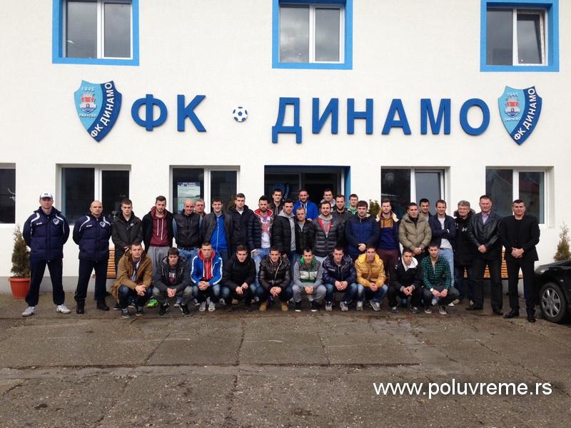 FK Backa - himna kluba - Page 2 Fk-dinamo9