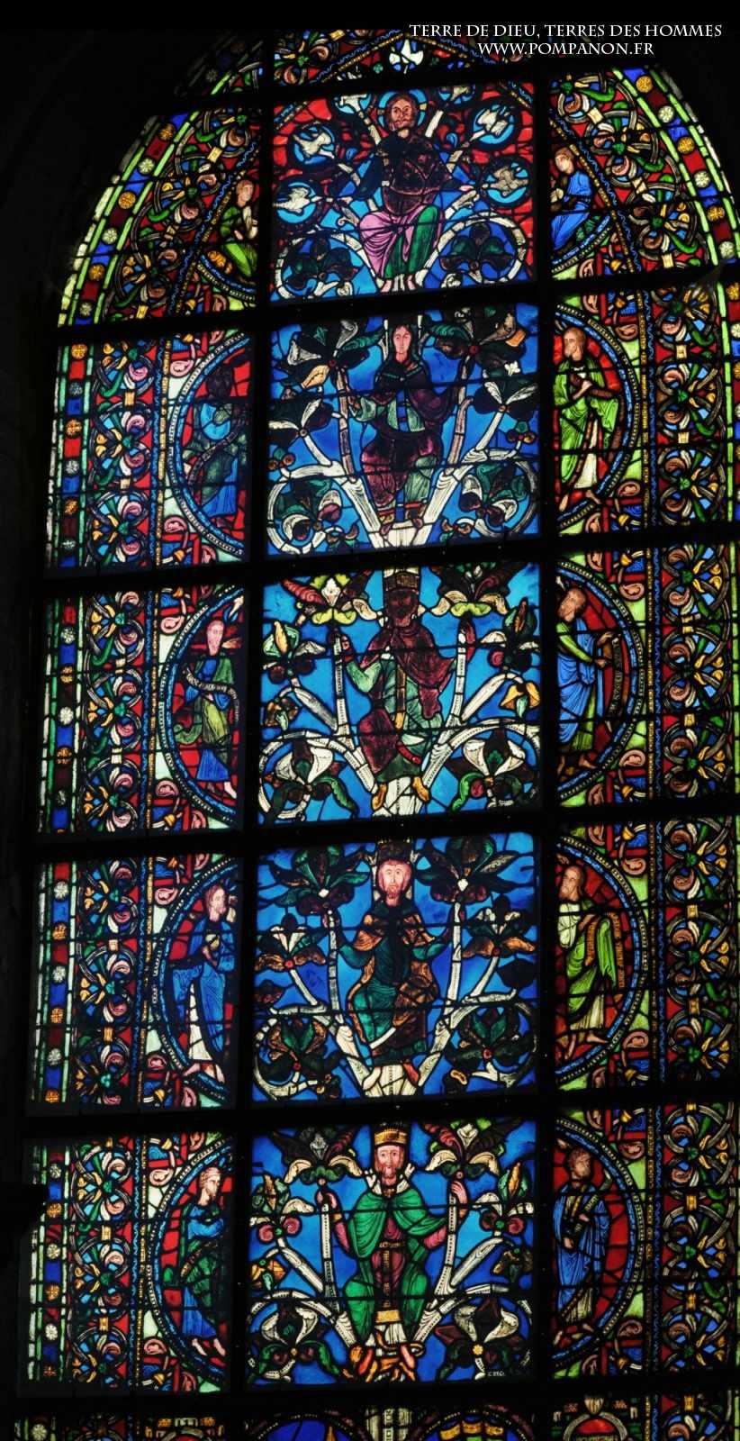 Les vitraux  du XIIIéme siècle . 5043eefcad444
