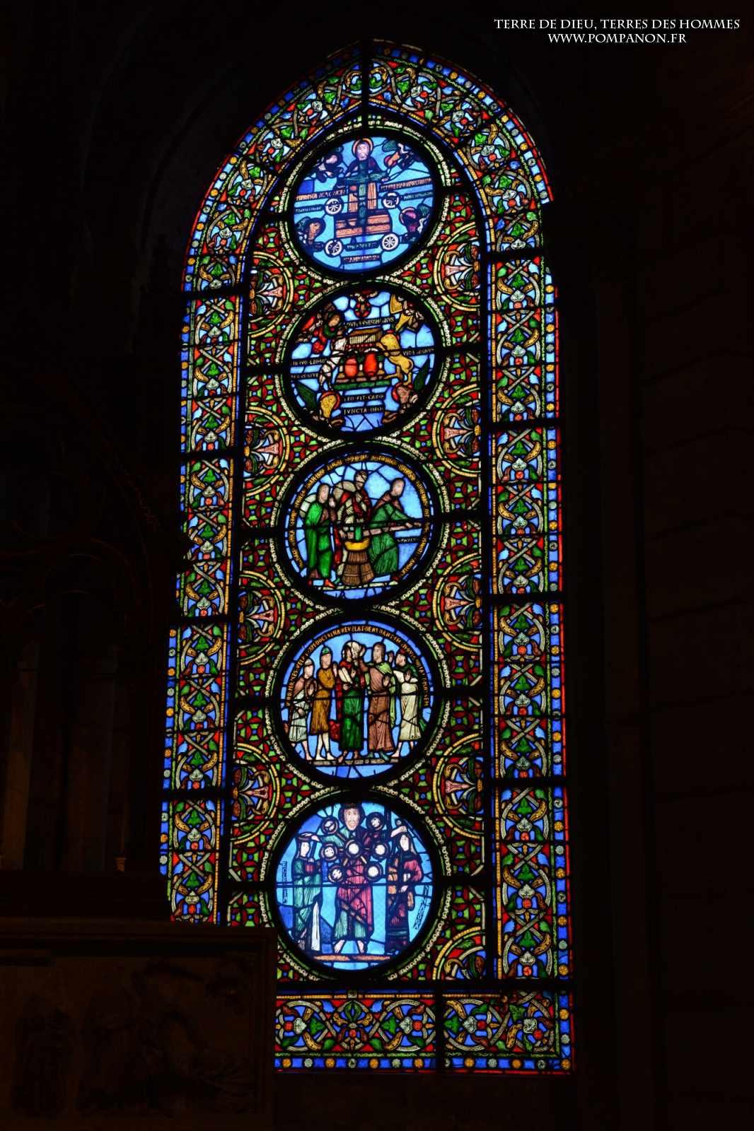 Les vitraux  du XIIIéme siècle . 5043eefcbb31d