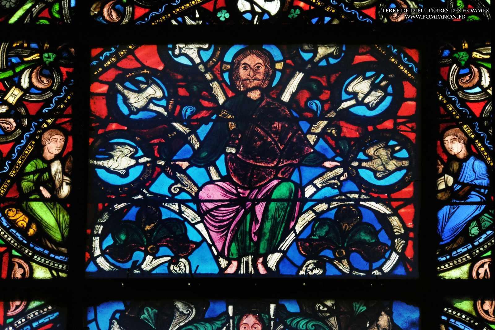 Les vitraux  du XIIIéme siècle . 5043eefcbd1ce